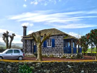 Perfect Cottage with Internet Access and Satellite Or Cable TV - Ribeira Grande vacation rentals