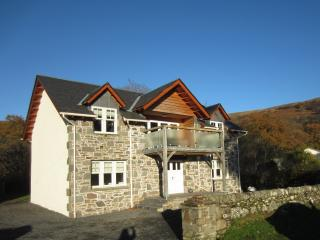 Spacious 5 bedroom House in Colintraive - Colintraive vacation rentals