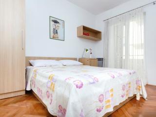 Apartments Roscic Mini Studio2 - Podgora vacation rentals