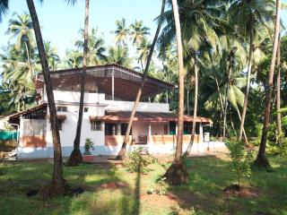 Spacious 4 bedroom Gokarna Villa with Internet Access - Gokarna vacation rentals