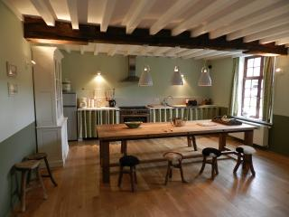 Beautiful 8 bedroom Sint-Kruis Gite with Internet Access - Sint-Kruis vacation rentals