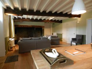 Beautiful 8 bedroom Gite in Sint-Kruis - Sint-Kruis vacation rentals