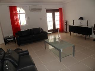 Beautiful 3 bedroom Bakau Villa with Parking - Bakau vacation rentals