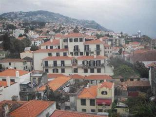 Cozy 3 bedroom Apartment in Funchal - Funchal vacation rentals
