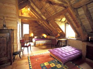 4 bedroom Ski chalet with Internet Access in Bagneres-de-Bigorre - Bagneres-de-Bigorre vacation rentals