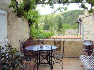Nice 3 bedroom Lagrasse House with Internet Access - Lagrasse vacation rentals