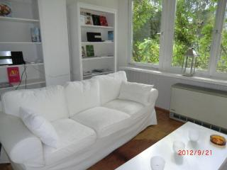 KernerApartement Stuttgart: Downtown and green! - Governador Celso Ramos vacation rentals