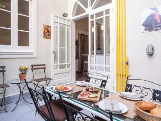 Luxury apartment Bougainvillea - Barcelona vacation rentals