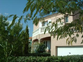 Holiday villa in centre of Portiragnes village - Portiragnes vacation rentals