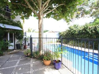 Beautiful 1 bedroom Villa in South Fremantle with Internet Access - South Fremantle vacation rentals