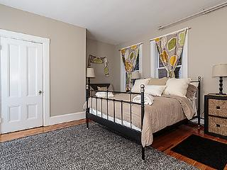 Central JP 2 bdrm in Victorian near T - Jamaica Plain vacation rentals