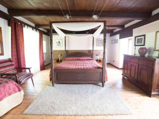 Nice Bed and Breakfast with Internet Access and Central Heating - Trontano vacation rentals
