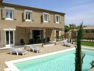 Nice House with Internet Access and Satellite Or Cable TV - Saint-Remy-de-Provence vacation rentals