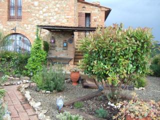 Traditional Tuscan-style country house with beautiful pool area, lush gardens and great views, sleeps 4 - San Gimignano vacation rentals