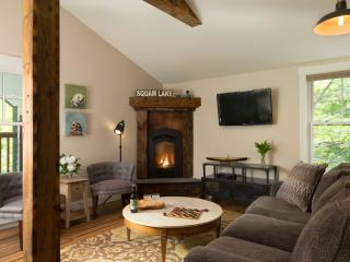 Comfortable Condo with Internet Access and Dishwasher - Holderness vacation rentals