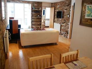 3 Bed Mews Town House (2 Fullwood) - London vacation rentals