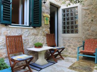 Lion apartments-Garden house - Zaton vacation rentals