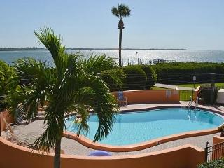 Bay to Beach: 3BR Condo with Pool and Boat Slip - Holmes Beach vacation rentals