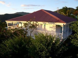Villa Blanche STUDIO TERRASSE VUE MER. remarquable - Les Anses d'Arlet vacation rentals