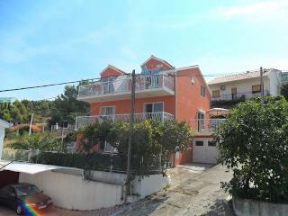 Apartment on Ciovo (2+2) - Mastrinka vacation rentals