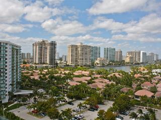 O. Reserve 2BR + DEN 2BA, Just steps away from the Ocean! - Sunny Isles Beach vacation rentals