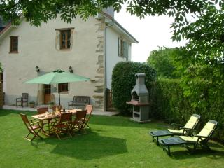Wonderful 4 bedroom Farmhouse Barn in Susmiou - Susmiou vacation rentals
