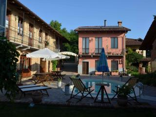 Nice Bed and Breakfast with Internet Access and Garden - Moncalvo vacation rentals