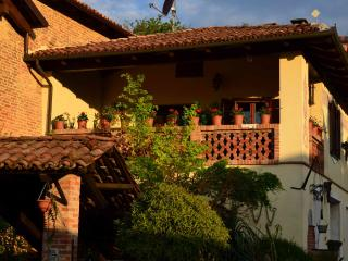 Nice B&B with Internet Access and Hair Dryer - Moncalvo vacation rentals