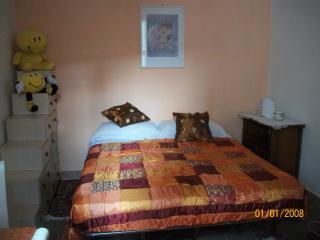 Romantic 1 bedroom Tivoli Condo with Internet Access - Tivoli vacation rentals