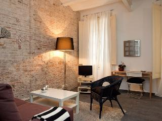 SANT ANTONI 2 DOUBLE ROOMS - Barcelona vacation rentals