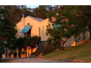 Lovely House with Dishwasher and Garden - Lovedale vacation rentals