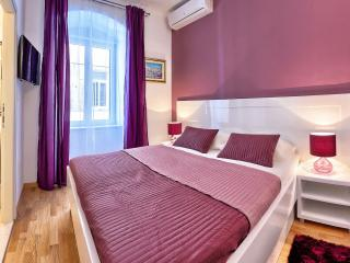 Split Luxury Room VIOLET **** - Split vacation rentals