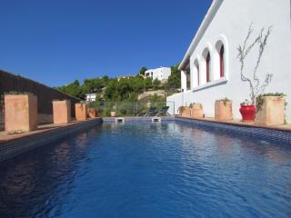 Spacious 4 bedroom Villa in Olivella - Olivella vacation rentals