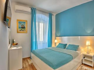 Split Luxury Room TURQUOISES**** - Split vacation rentals