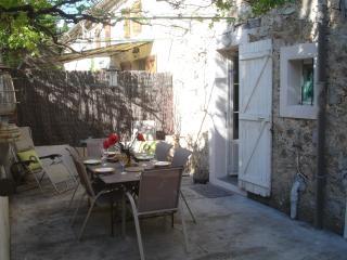 Spacious apartment/gite in quaint hilltop village - Bargemon vacation rentals