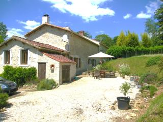 Comfortable 2 bedroom La Caillere Cottage with Satellite Or Cable TV - La Caillere vacation rentals