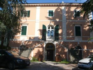 Villa apartment with park near the beaches - San Giuliano Terme vacation rentals