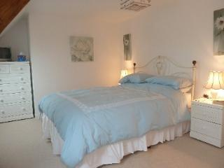 3 bedroom Cottage with Internet Access in Saint-Bomer-les-Forges - Saint-Bomer-les-Forges vacation rentals