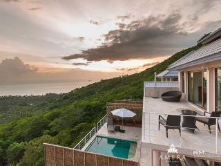 Villa, infinity pool, fab views, 3 mins beach A5 - Ban Bang Ben vacation rentals
