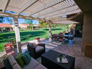 Beautiful Resort Condo- Swim, golf, tennis, relax! - Palm Desert vacation rentals