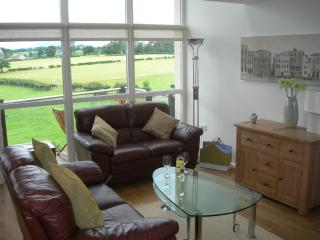 Perfect 2 bedroom Penthouse in Kirkby Lonsdale - Kirkby Lonsdale vacation rentals