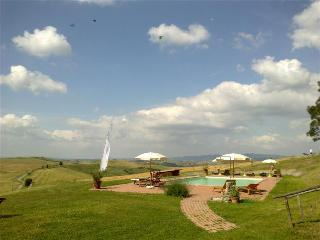 Gorgeous Condo in Volterra with Internet Access, sleeps 20 - Volterra vacation rentals