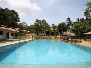 Sri Devi Retreat, 3 individual villas - Habaraduwa vacation rentals