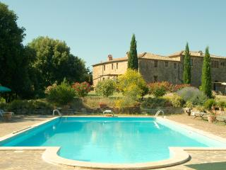 2 bedroom Apartment with Internet Access in Montalcino - Montalcino vacation rentals