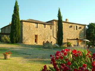 Nice 3 bedroom Montalcino Apartment with Central Heating - Montalcino vacation rentals