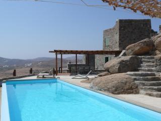 Villa Azzuro (Mykonian Villa) - Kalafatis vacation rentals