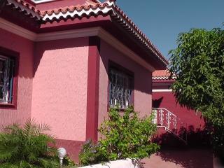 Casa Rosa with privat garden - Los Abrigos vacation rentals