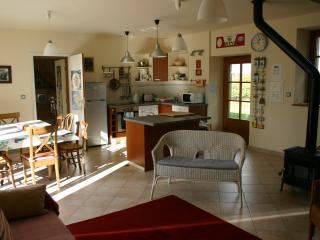 Sunny Gite in Lannion with Internet Access, sleeps 8 - Lannion vacation rentals