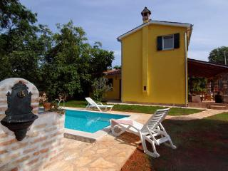 Comfortable 2 bedroom Umag House with Television - Umag vacation rentals