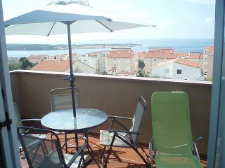 Apartment for 6 with land view - Novalja vacation rentals